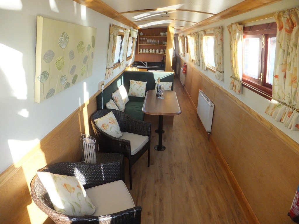 Do It Yourself Home Design: Self Catering Narrowboat Holidays Uk