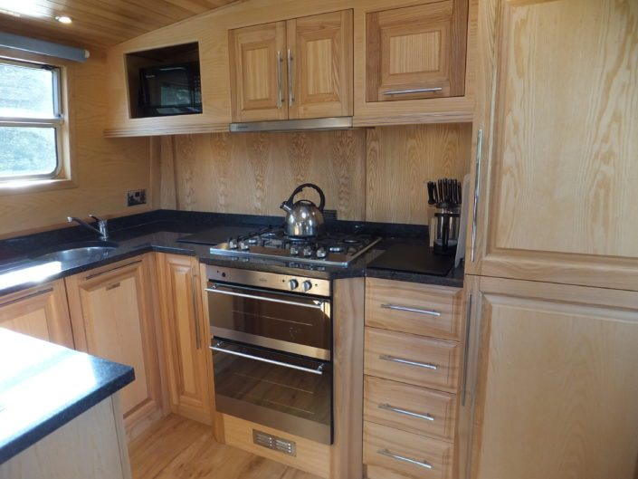 Geanna Fully Fitted Kitchen 2